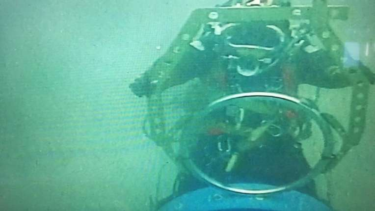 Lobster Tool Subsea With Diver